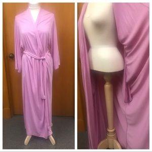 Natori Woman's Lavender Robe L